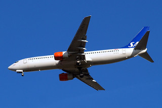 LN-RCX   Boeing 737-883 [30196] (SAS Scandinavian Airlines) Home~G 26/10/2009 | by raybarber2