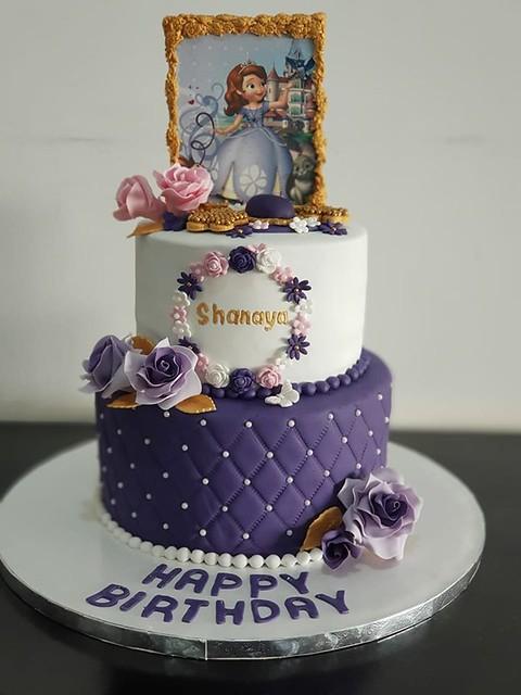 Cake by Manita Kyal of Bake Me Up