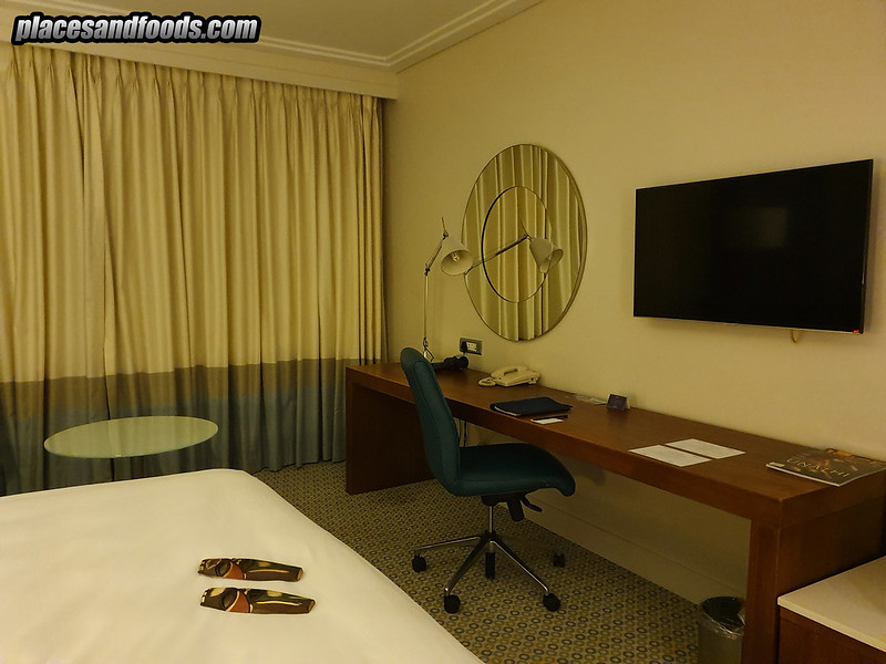Radisson Blu Hotel Sandton Johannesburg room tv