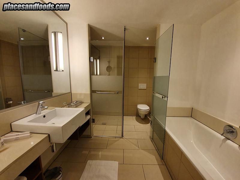 Radisson Blu Hotel Sandton Johannesburg bathroom