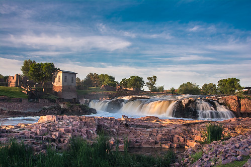 park sky water southdakota sunrise river dawn waterfall nikon falls sd waterfalls siouxfalls fallspark hallock d7100 nikond7100 davehallock goldenhour morning apsc crop cropsensor