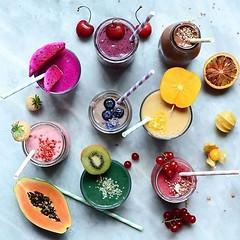 I ❤️ Smoothie⠀ ⠀ #batidosaludable #batidodetox #batidosdefruta⠀ #batidosnaturales #licuadosaludable #licuadoverde #licuadodefrutas #jugosnaturales #recetasaludables #bebidassaludables #bebidavegetal #bebidasnaturales