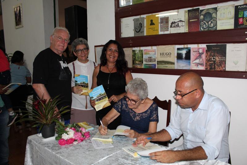 Livro de 5 autores,