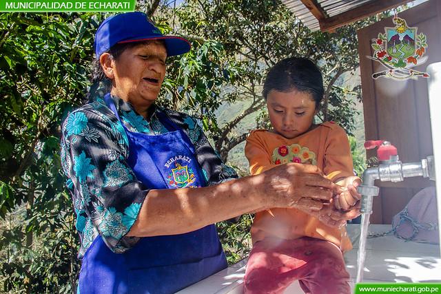 Salud de los pobladores de Ramospata mejorara con la instalación de saneamiento básico