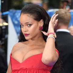Kinh doanh giỏi như vậy, bảo sao Rihanna chấp nhận gác lại sự nghiệp âm nhạc đỉnh cao - Tạp chí Đẹp