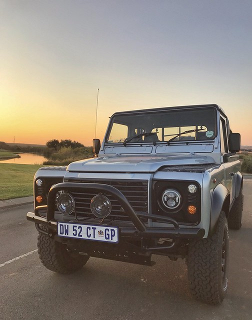 Land Rover Defender 110 TD5 Pickup