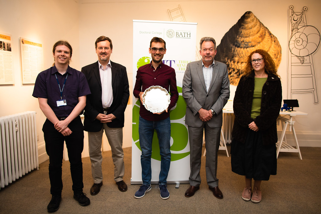 3MT Winner and the four judges