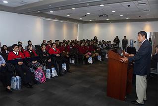La Facultad de Derecho de la USIL, comprometida con brindar una formación basada en valores éticos a sus estudiantes, realizó con éxito el taller Parlamento Interescolar, dirigido a alumnos de quinto de secundaria.