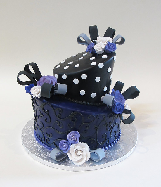 Topsy Turvy with Fondant Loops 301445