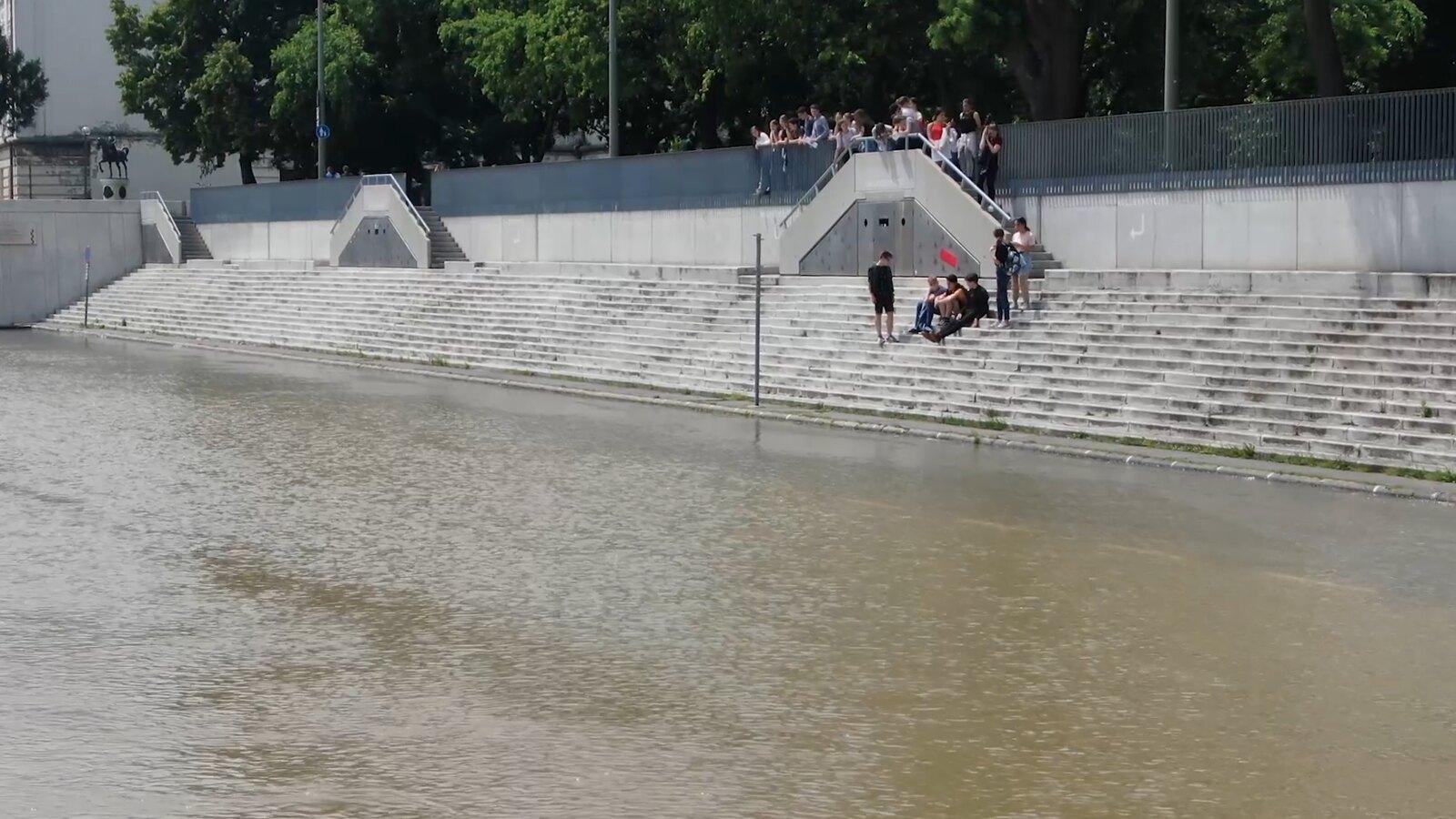 Felrepültünk az áradó Tisza fölé, csodásan néz ki