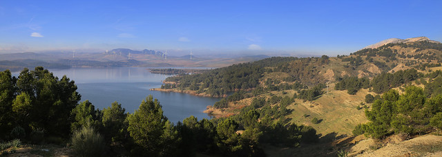 Peñarrubia reservoir in the dry zones of Andalucia