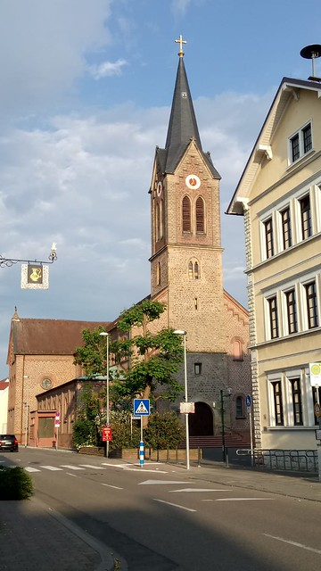 1854/60 Schifferstadt neoromanische katholische Pfarrkirche St. Jakobus von August von Voit Kirchenstraße 14 in 67105