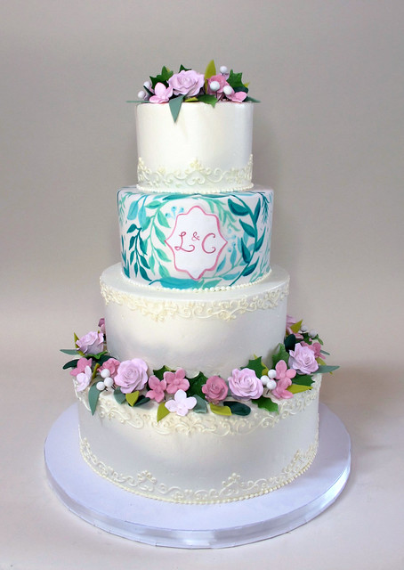 Hand-Painted Leaves with Sugar Flowers 900561