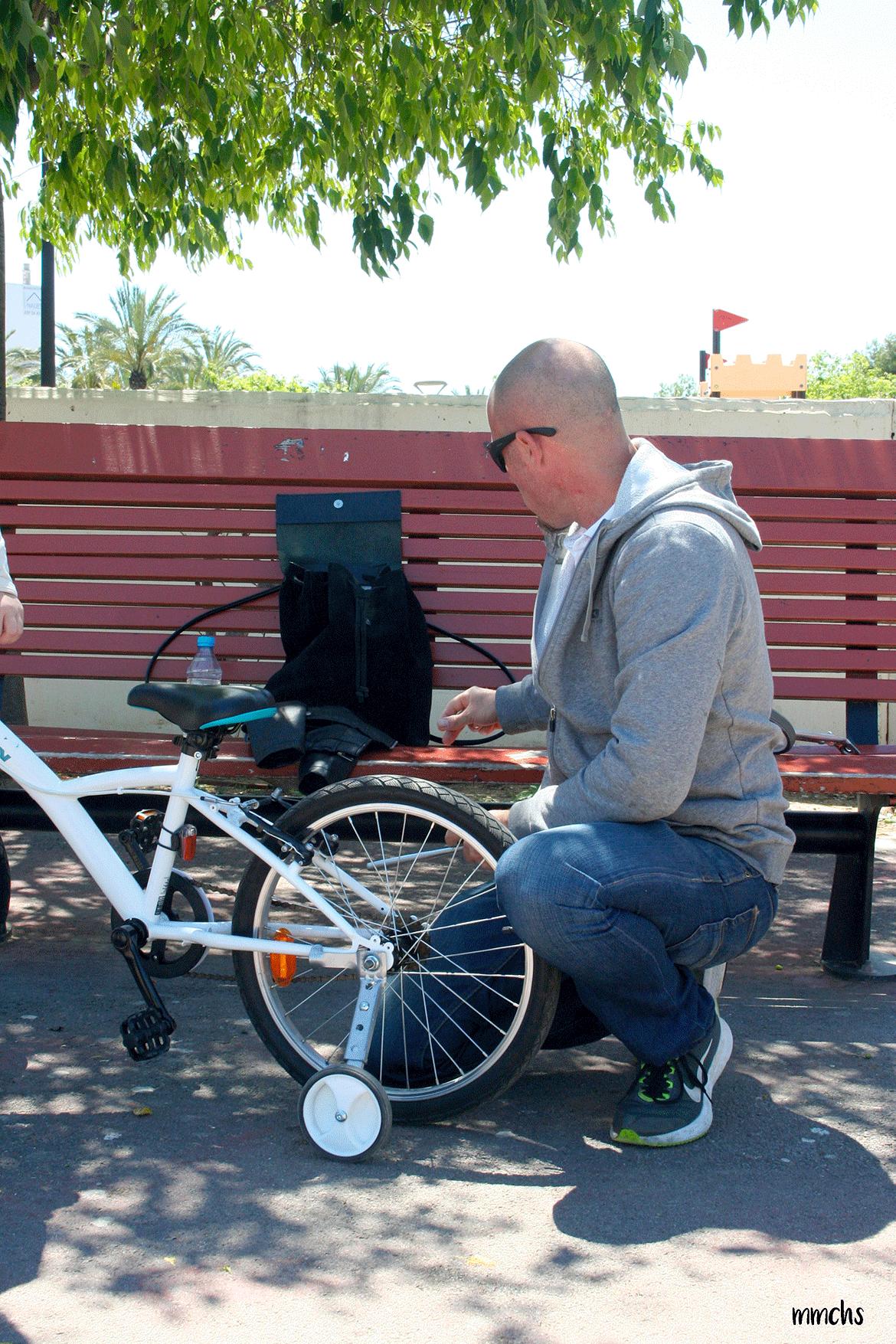 quitarle los ruedines a la bici