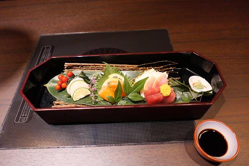 前菜 旬魚のお造り三種・すき焼き 飯田 16