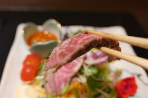 本日の副菜 ・A5最高級黒毛和牛ローストビーフ サラダ仕立て すき焼き 飯田 24