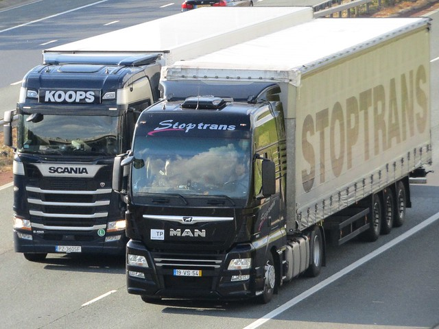 Wolter Koops Scania S450 & Stoptrans M.A.N On The A1M Southbound