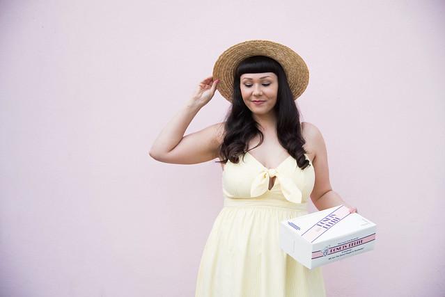 pastel donut blog