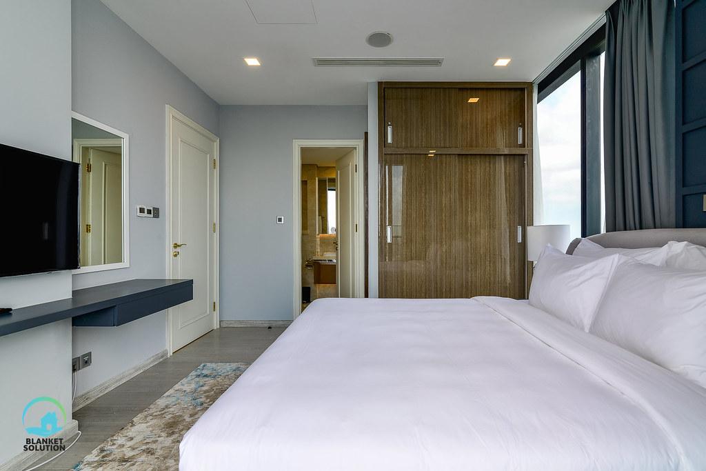 Bán căn hộ Vinhomes bason Aqua4 lầu cao 57