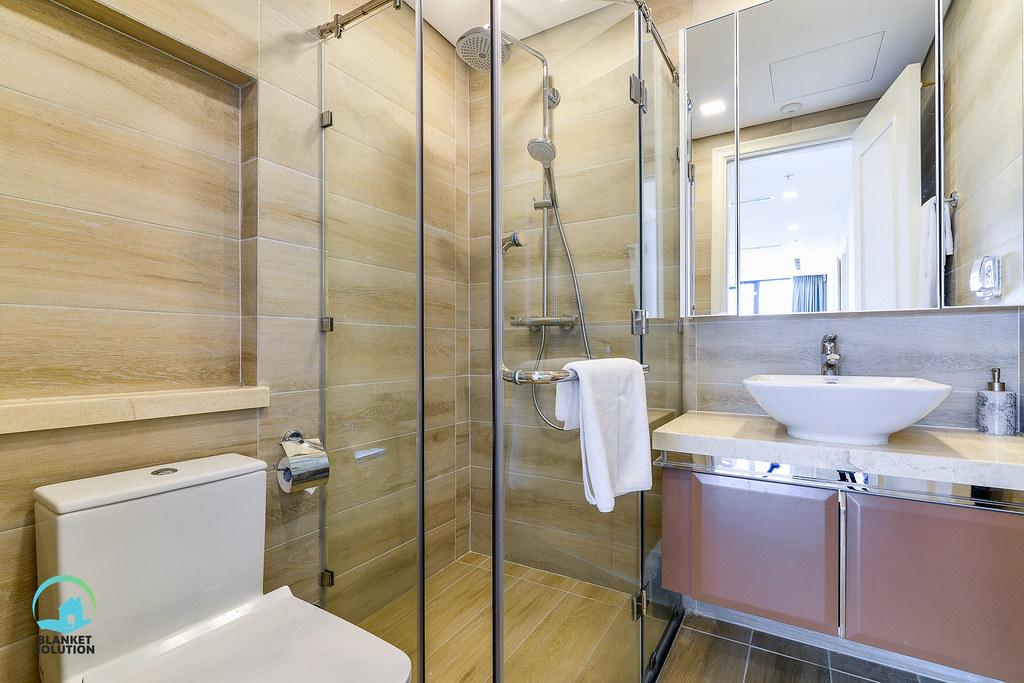 Bán căn hộ Vinhomes bason Aqua4 lầu cao 69
