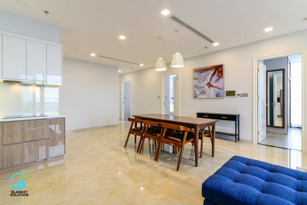 Bán căn hộ Vinhomes bason Aqua4 lầu cao 38