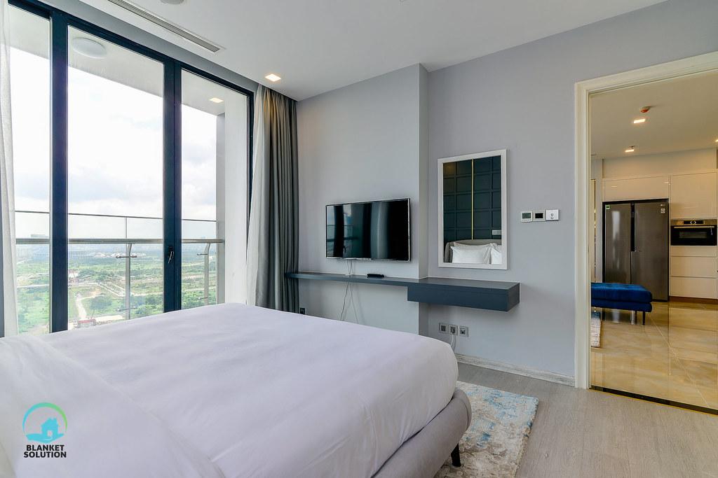 Bán căn hộ Vinhomes bason Aqua4 lầu cao 58