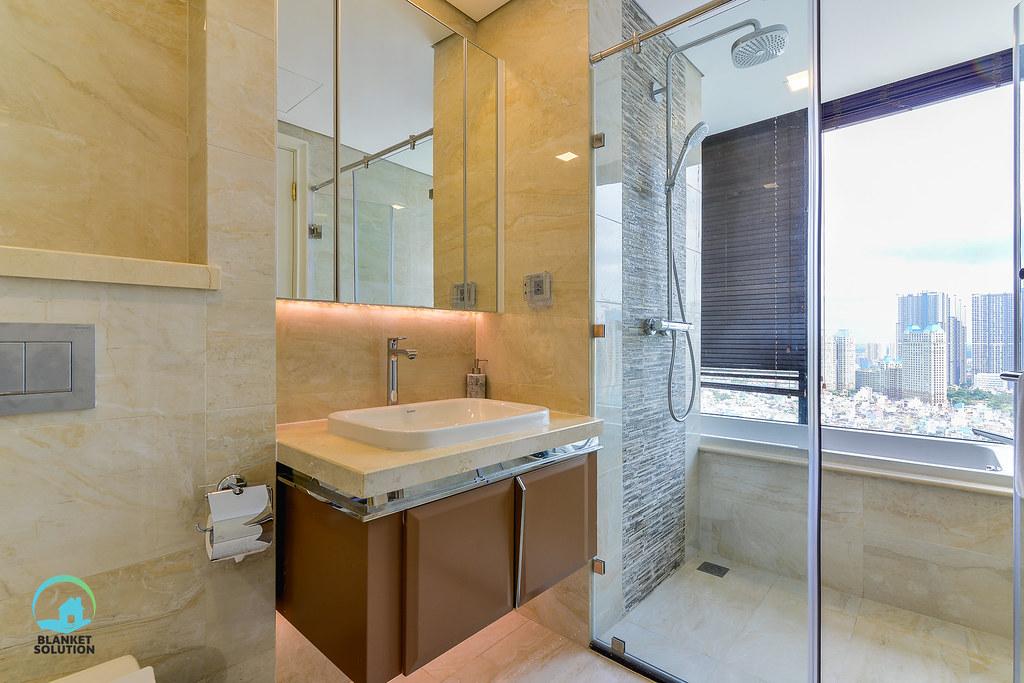 Bán căn hộ Vinhomes bason Aqua4 lầu cao 60