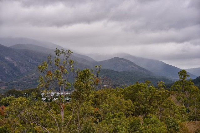 Rain in them tha' hills!
