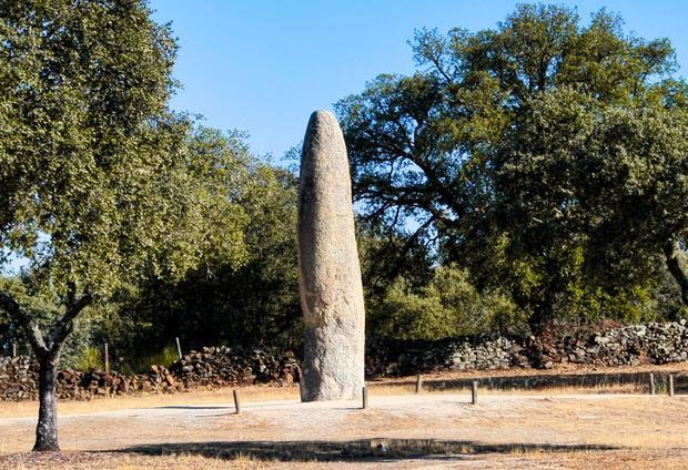 Menhir da Meada (cerca de Castelo de Vide)