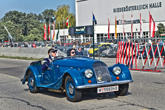 Morgan Plus 4 Sports Roadster (0592)