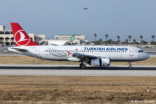 Turkish Airlines Airbus A320-232  |  TC-JPM  |  LMML
