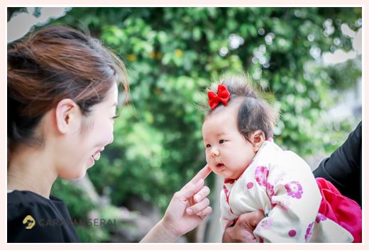 初宮参り ママと3か月の女の子 袴ロンパース