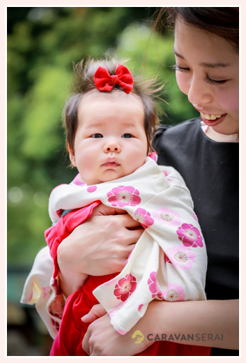 伊奴神社(名古屋市西区)へ初宮参り 3か月の女の子の服装 袴ロンパース
