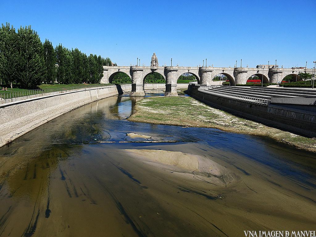 Puente de Toledo sobre el río Manzanares