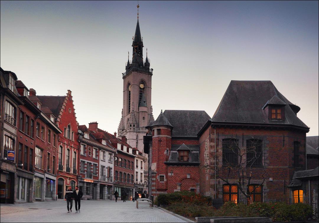 Belfry of Tournai, Belguim [OC] [1080x755]
