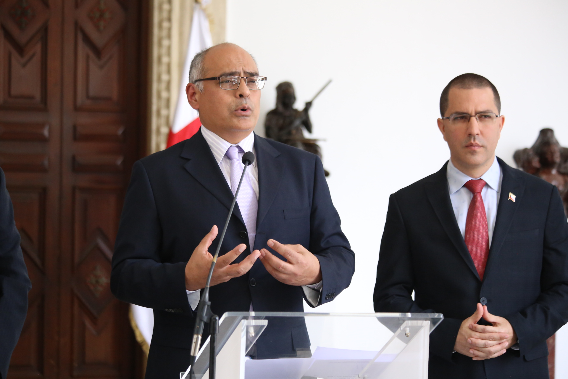 Venezuela y Cruz Roja Internacional oficializan ac