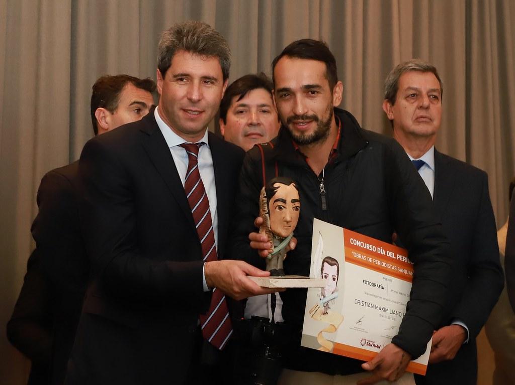 2019-06-07 PRENSA: Uñac entregó los premios a las mejores Obras de Periodistas Sanjuaninos