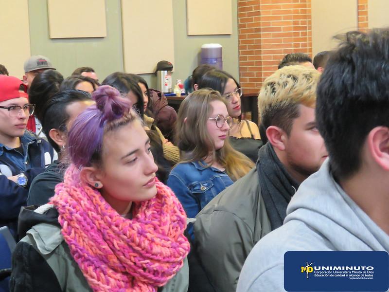 De egresados a estudiantes, la apuesta del programa de Tecnología en Comunicación Gráfica para complementar la academia.