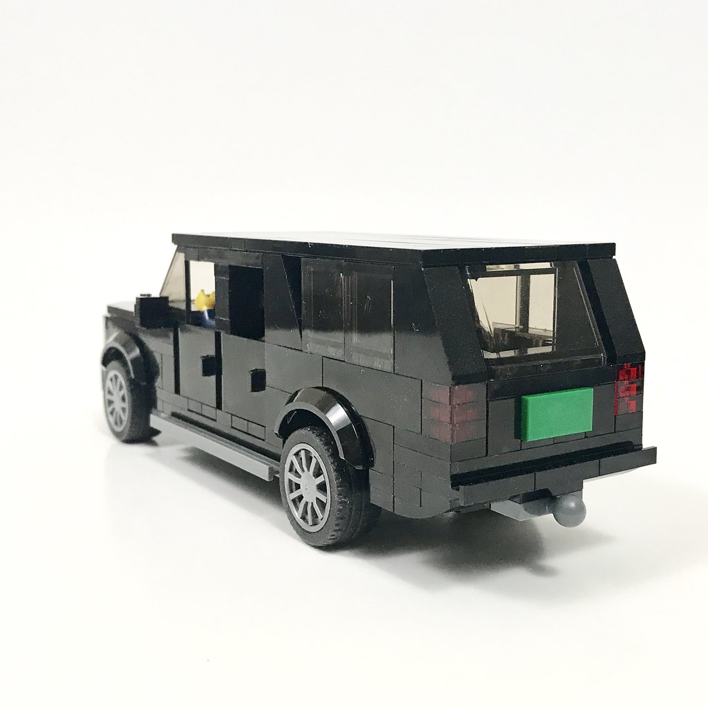 Chevrolet Suburban - Rear
