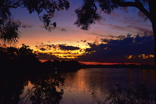 sunset bundaberg burnettriver queensland australia gumtrees water reflections redsunset orangesunset bluesky sunsetoverwater sliderssunday gimp fantasticmonday