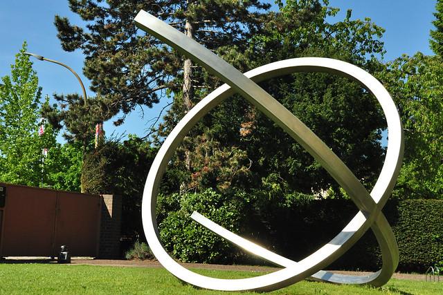 Kunstwerke im Skulpturenpark der Vetter-Villa in Ilvesheim ... Foto: Brigitte Stolle, 2019
