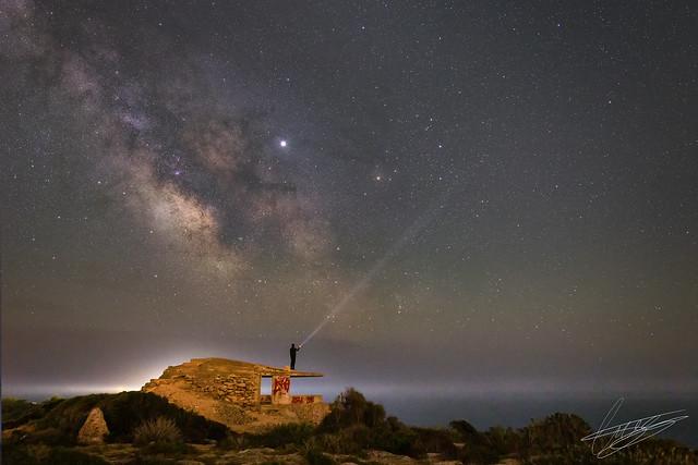 Solo bajo el inmenso cielo nocturno!!