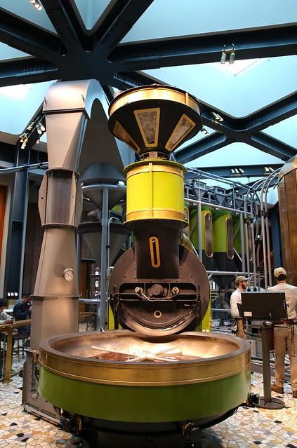 la Starbucks Reserve Roastery  a Milano - Italia