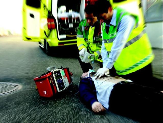 rotary dona defibrillatore
