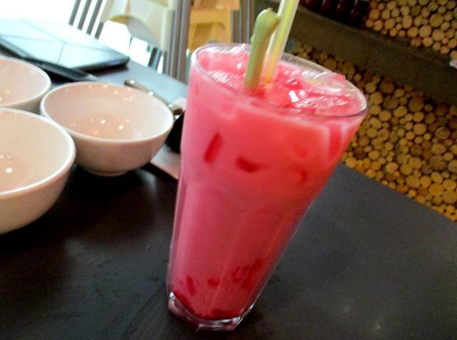 Cafe Cafe Swan Square air bandung