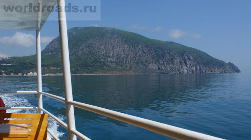 Морская прогулка из Ялты в Гурзуф