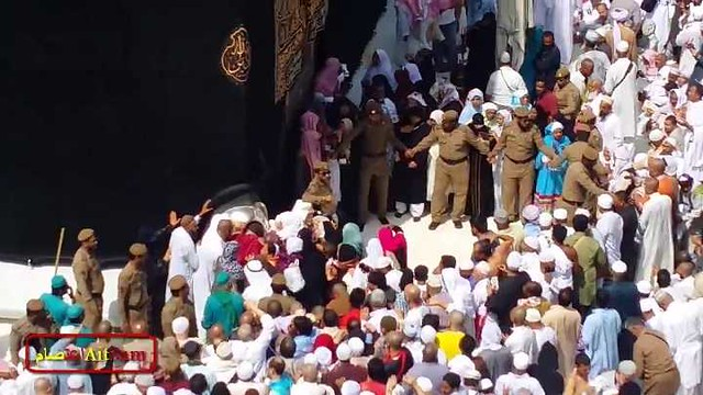 5171 How Allah made me kiss Hajr-e-Aswad 01