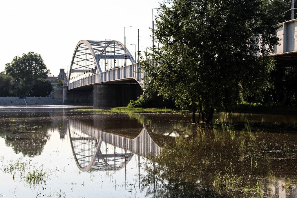 Lezárták a Belvárosi hidat, csak egy irányban használható