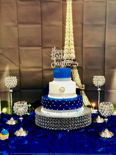 Cake by Reina's Cakes