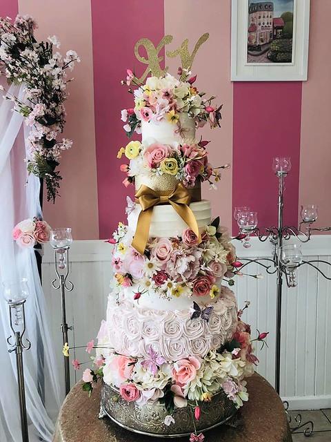 Cake from Dolce Vida Cakes by Claudia Islas- Pastelería